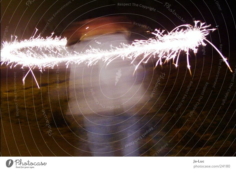 Child Girl New Year's Eve Rotate Spark Spray Sparkler