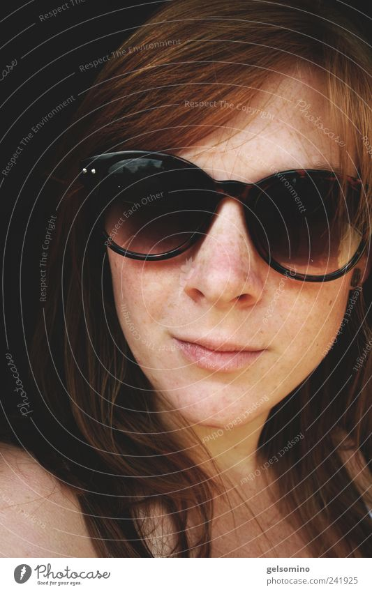 Red Feminine Head Hair and hairstyles Brown Free Simple Soft Near Smiling Sunglasses Long-haired Red-haired