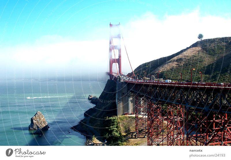 Water Ocean Clouds Fog Bridge USA Landmark Construction Haze Famousness San Francisco Suspension bridge South West Famous building