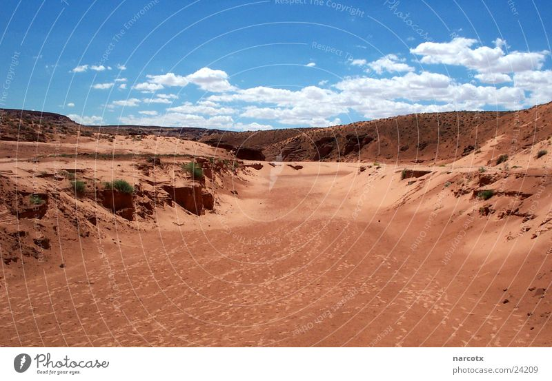 Red Clouds Death Stone Warmth Sand Earth Empty USA River Desert Physics Americas Canyon Dried Page