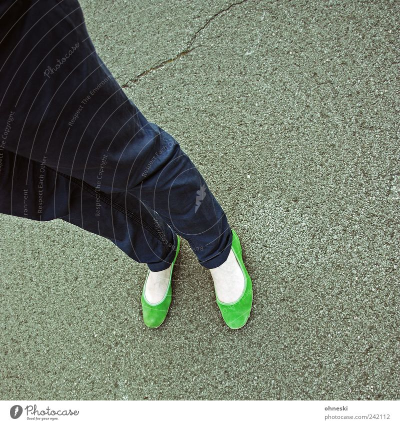green Lifestyle Style Human being Feminine Legs Feet 1 Fashion Clothing Pants Footwear Ballerina Stand Green Colour photo Multicoloured Exterior shot