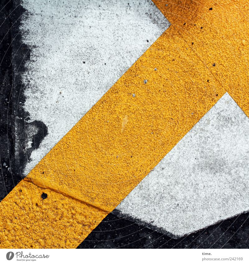 direction Yellow White Asphalt Arrow Signs and labeling Warning label Clue Structures and shapes Bird's-eye view Street Illustration Direction Diagonal