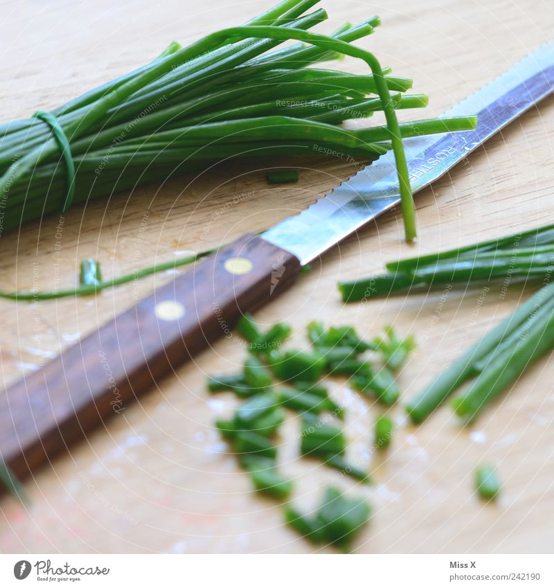 carcass Food Herbs and spices Nutrition Organic produce Vegetarian diet Knives Fresh Long Delicious Green Appetite Chives Chopping board Cut Colour photo