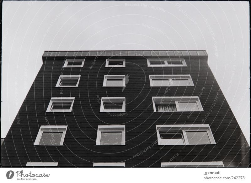Sky Old House (Residential Structure) Window Facade Poverty Tall Arrangement Gloomy Retro Authentic Uniqueness Analog Frame Symmetry Hideous