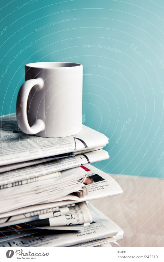 Moin, moin Coffee Cup Table Work and employment Workplace Economy Business Print media Newspaper Magazine Collection To enjoy Stand White Debauchery Idea