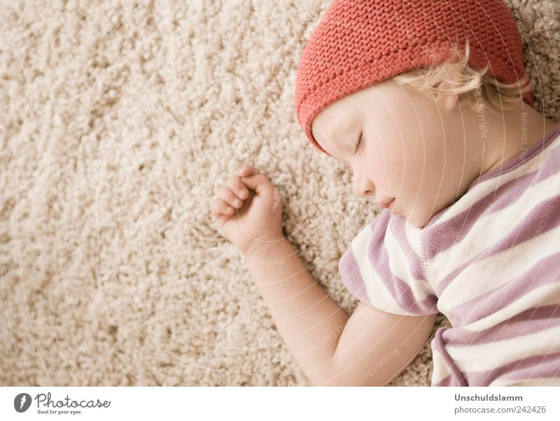 Human being Child Red Girl Calm Face Relaxation Emotions Small Dream Bright Infancy Contentment Flat (apartment) Arm Natural