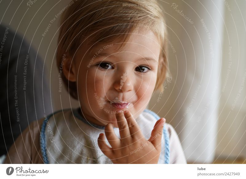 Child Human being Girl Eating Happy Contentment Nutrition Infancy Happiness Fingers Toddler Parenting 1 - 3 years