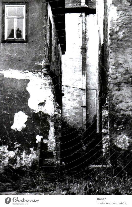 break:on:thru House (Residential Structure) Tumbledown Derelict Decline Architecture Black & white photo Castle
