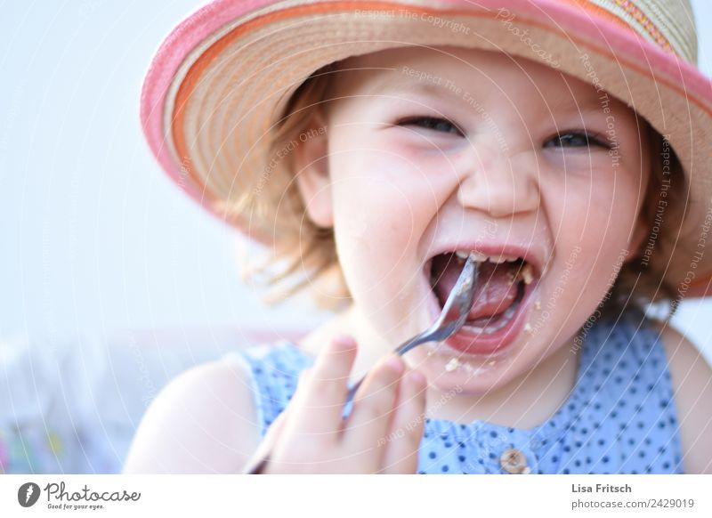 Child Human being Summer Joy Face Eating Funny Feminine Laughter Happy Contentment Infancy Happiness To enjoy Joie de vivre (Vitality) Discover