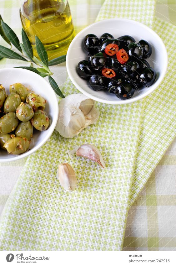 Olives with chillies and garlic Food Vegetable Herbs and spices Cooking oil Nutrition Organic produce Vegetarian diet Diet Finger food Italian Food Olive oil