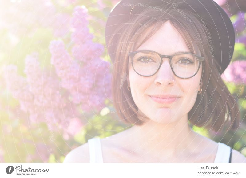 young woman, hat, glasses, smile Beautiful Personal hygiene Hair and hairstyles Face Vacation & Travel Feminine Young woman Youth (Young adults) 1 Human being