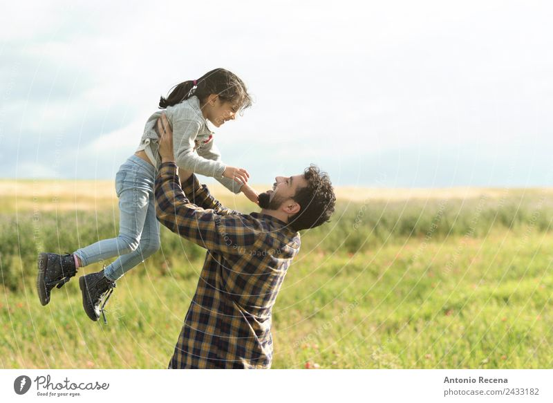 Father and daughter Human being Girl Man Adults Parents 2 3 - 8 years Child Infancy 30 - 45 years To enjoy Carrying Hugs Love Father's Day Lifting device