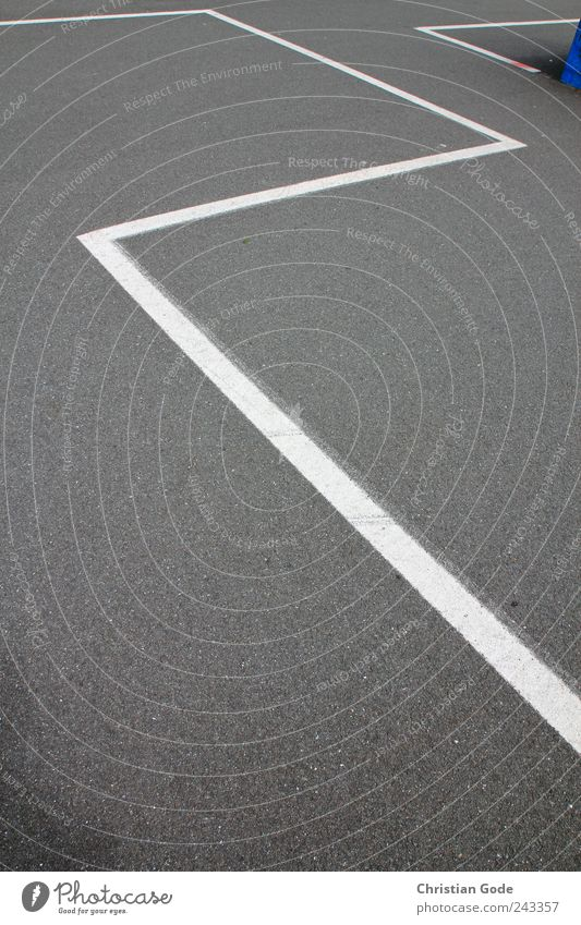 Zick Zick Zack Zack Places White Line Stripe Steadfastness Parking lot Search for a parking space Parking space number Skate park Skater circuit Gray Concrete