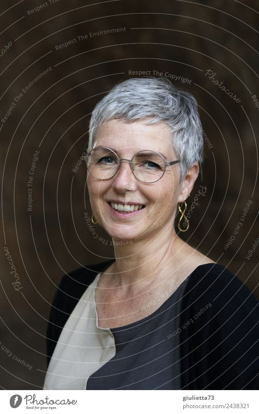 Best age | UT Dresden Feminine Woman Adults Life 1 Human being 45 - 60 years Earring Eyeglasses Gray-haired Short-haired Smiling Laughter Authentic Friendliness