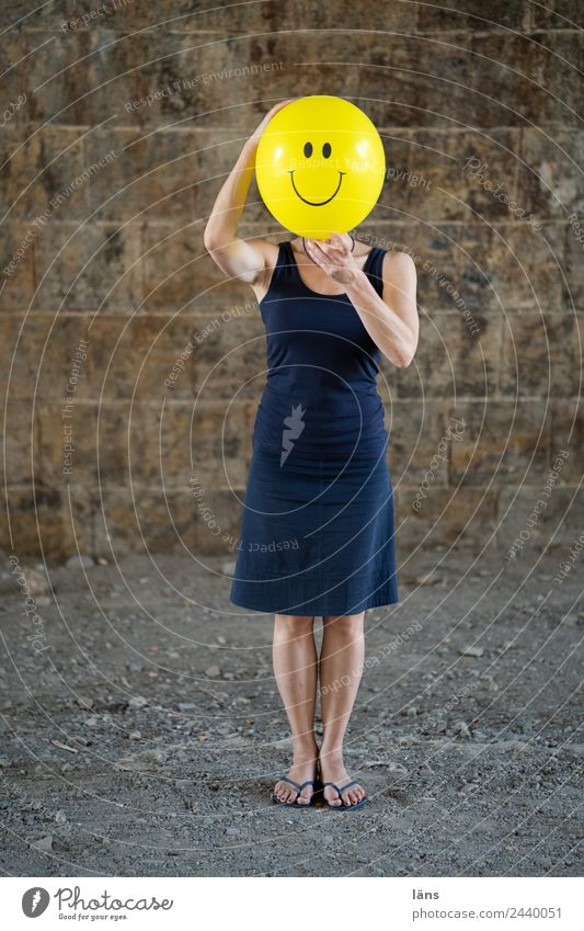 Woman Human being Joy Adults Life Wall (building) Feminine Laughter Happy Wall (barrier) Contentment Happiness Joie de vivre (Vitality) Uniqueness Balloon Dress