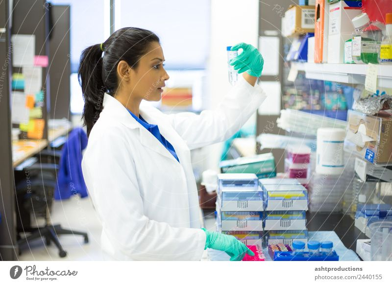 Medical lab experiments Human being Youth (Young adults) Young woman 18 - 30 years Adults Health care Technology Future Industry Serene Medication