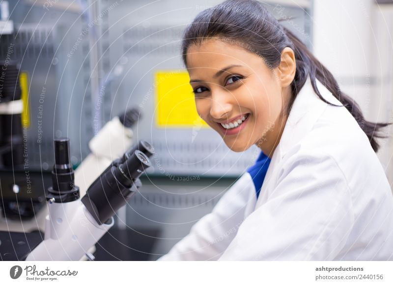 Success in microscopic work Woman Human being Youth (Young adults) 18 - 30 years Adults Health care Happy Academic studies Might Medication Passion Brave