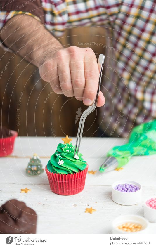 cupcake christmas tree Dessert Happy Winter Snow Decoration Feasts & Celebrations Christmas & Advent Tree Delicious New Cute Green Red White background Baking