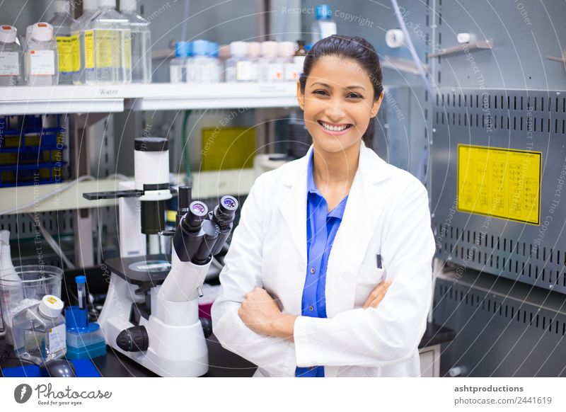Lab scientist Medication Science & Research Academic studies Laboratory Examinations and Tests Doctor Woman Adults 1 Human being 18 - 30 years