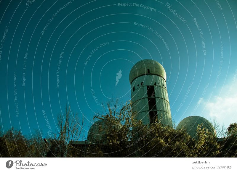 Nature Environment Architecture Emotions Berlin Building Weather Climate Beautiful weather Tower Manmade structures Cloudless sky Climate change Outskirts Spy