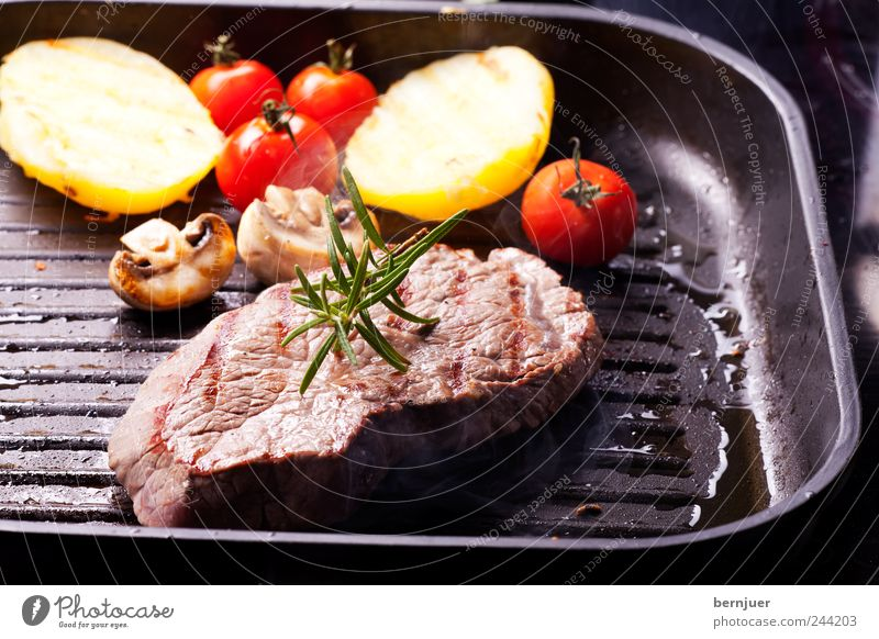 Black Food Pink Stripe Kitchen Hot Herbs and spices Vegetable Barbecue (event) Cooking & Baking Mushroom Meat Tomato Organic produce Juicy Sharp-edged