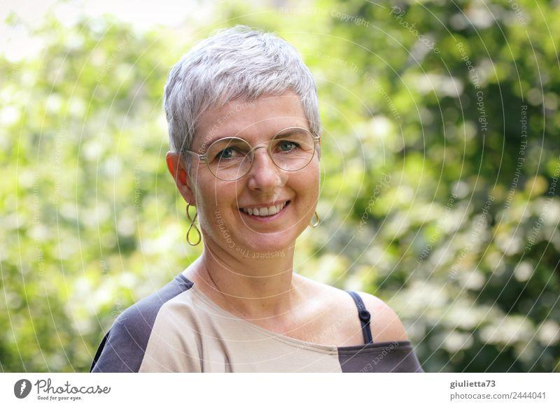 Woman 50+ | UT Dresden Feminine Adults Female senior Senior citizen Life 1 Human being 45 - 60 years 60 years and older Earring Eyeglasses Gray-haired