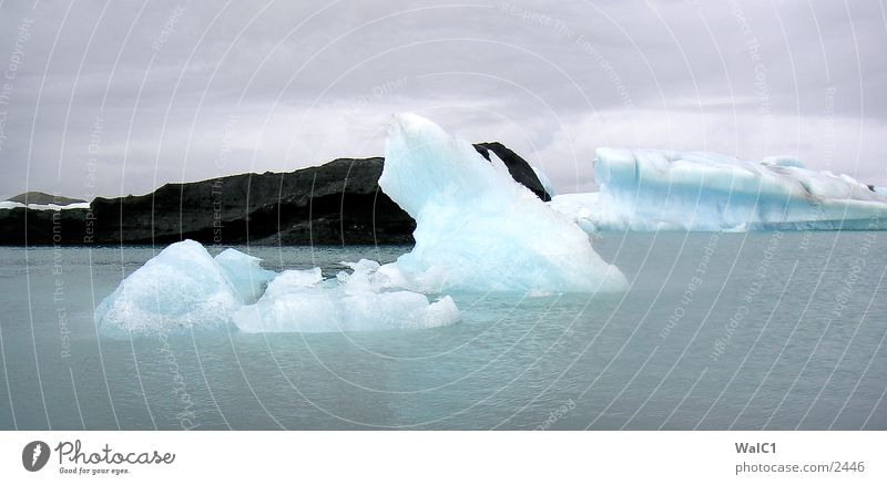 Glacial lake 07 Iceberg Mountain lake Vatnajökull glacier Watercraft Iceland Environmental protection National Park Untouched Europe Nature Power