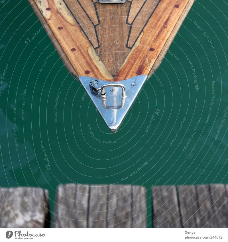 peak Sailing Lake Wood Sharp-edged Brown Green Silver Footbridge Point Watercraft Sailboat Vacation & Travel Triangle Structures and shapes Colour photo