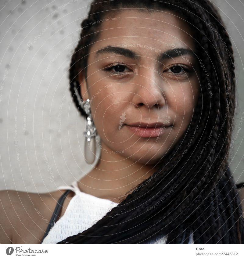 Nikoliya Feminine Woman Adults 1 Human being Dress Earring Hair and hairstyles Brunette Long-haired Afro Observe Think Looking Dark Friendliness Beautiful