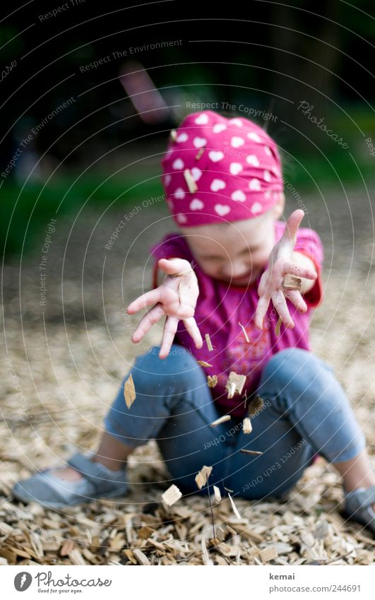 The simple things Playing Playground Human being Child Girl Infancy Life Hand Fingers Legs 1 1 - 3 years Toddler Headscarf bark mulch Wood shavings Heart Sit
