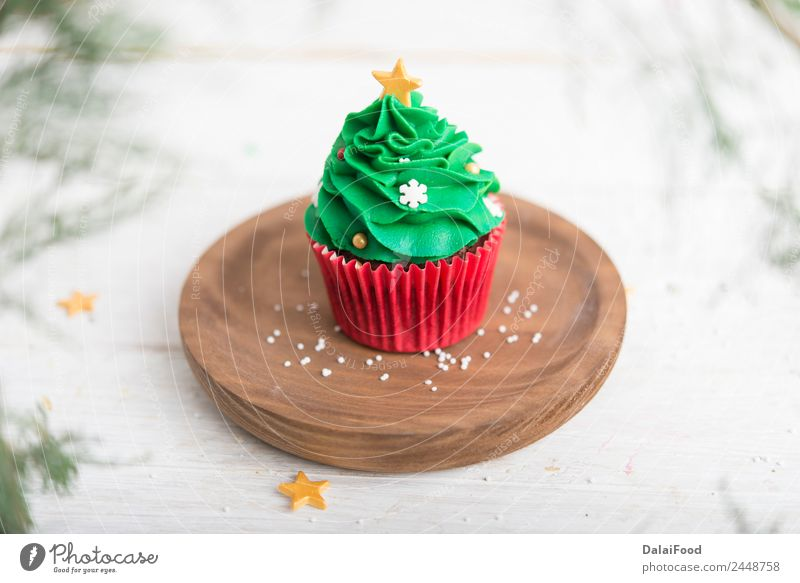 cupcake christmas tree Dessert Decoration Table Feasts & Celebrations Birthday Paper Packaging Wood Fresh Delicious Brown Pink White Colour background Baking