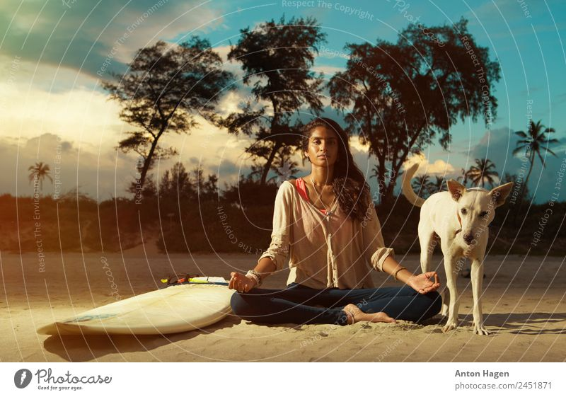 Peace comes from within Young woman Youth (Young adults) 1 Human being 18 - 30 years Adults Safety (feeling of) Together Love of animals Wanderlust Surfer