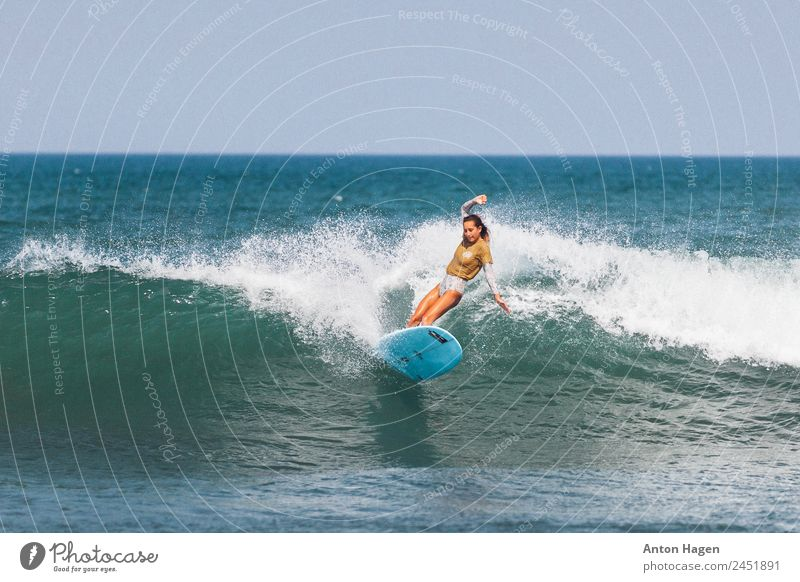 Throwing big turns Feminine 1 Human being 18 - 30 years Youth (Young adults) Adults Vacation & Travel Leisure and hobbies Joy Competition Concentrate Surfing