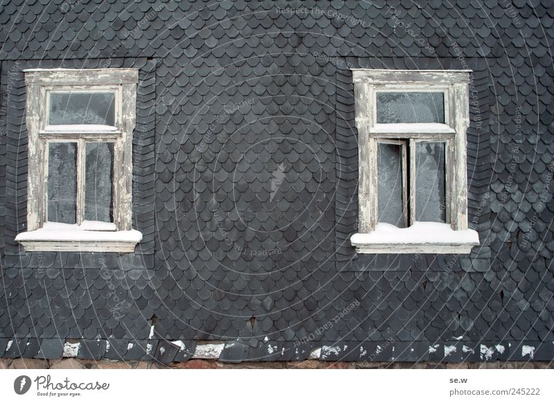 House (Residential Structure) Snow Window Facade Living or residing Transience Past Decline Frostwork Old town Vacancy Thuringia Slate