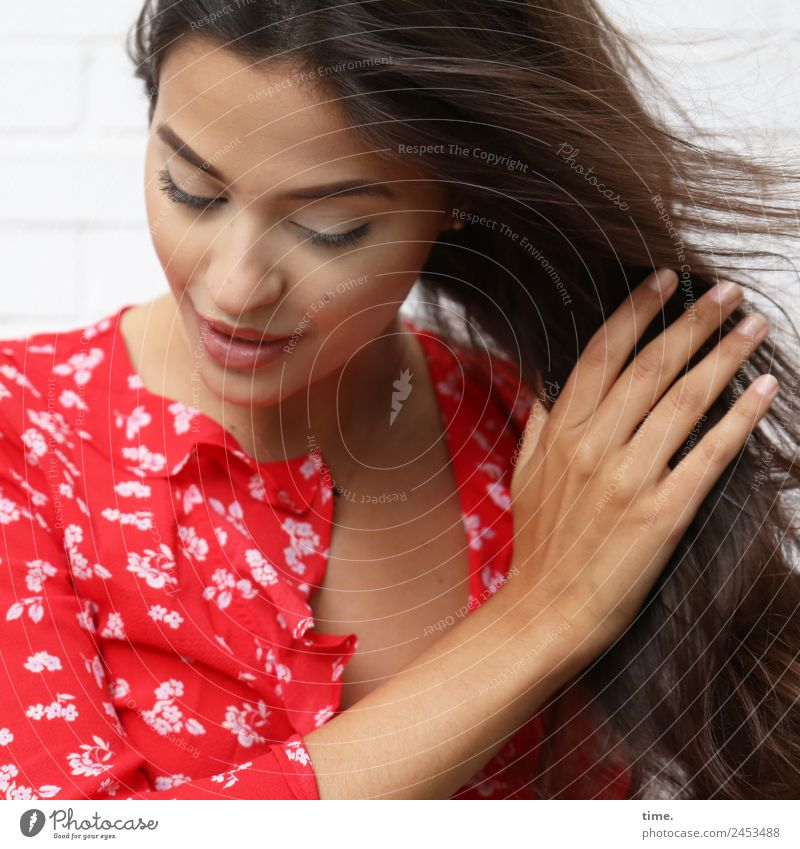 Woman Human being Beautiful Adults Life Feminine Movement Smiling Wind Perspective Change To hold on Passion Personal hygiene Concentrate Long-haired
