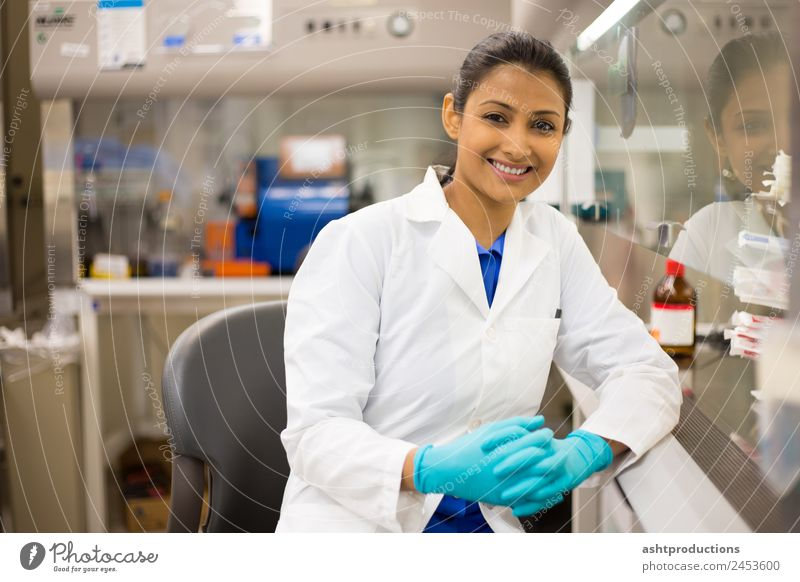 Happy scientist Medical treatment Medication Science & Research Laboratory Examinations and Tests Doctor Industry Career Technology Human being Woman Adults 1