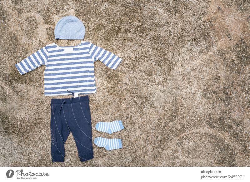 Baby clothes were drying at the clothesline Child Blue White Joy Life Funny Family & Relations Style Boy (child) Small Fashion Line Dirty Clothing Cute