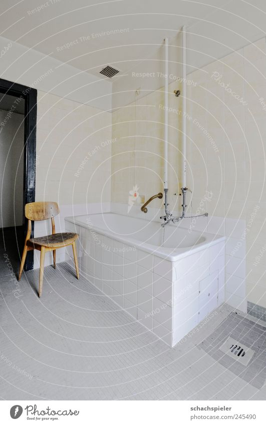 Saturdays are bathed Redecorate Chair Bathtub Room Bathroom Old Clean Yellow Gray White Decline Past Transience Redevelop Tile Water pipe Drainage Deserted