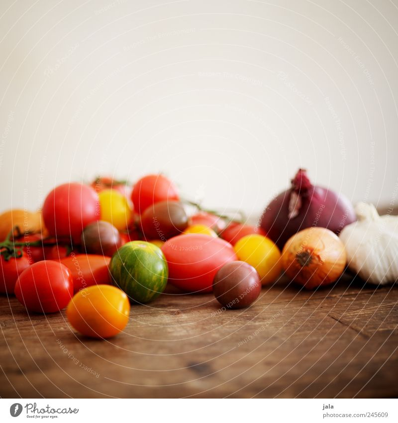 Green Red Yellow Healthy Food Vegetable Delicious Tomato Onion Wooden table Garlic Garlic bulb