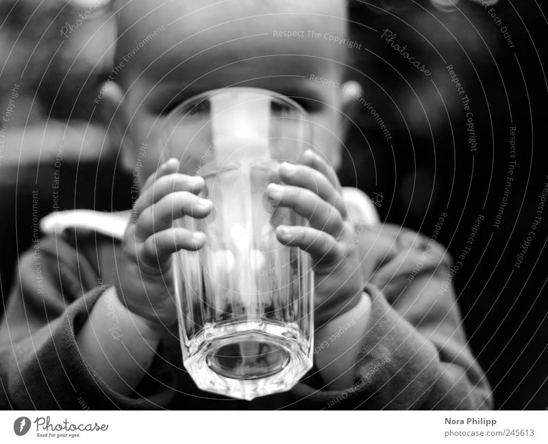 Human being Child Hand Joy Nutrition Head Baby Small Arm Contentment Glass Large Fingers Study Drinking water Beverage