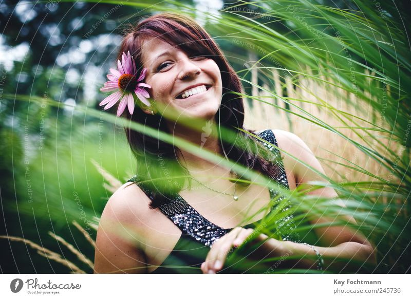 * Lifestyle Joy Happy Beautiful Harmonious Well-being Contentment Summer Human being Feminine Young woman Youth (Young adults) 1 18 - 30 years Adults Nature