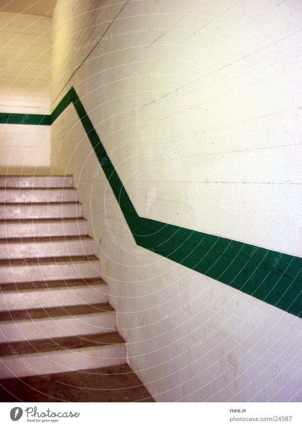 wall strip Architecture Wall (barrier) Wall (building) Stairs Lanes & trails Tunnel Car Stone Stripe Dirty Dark Green White Underground garage