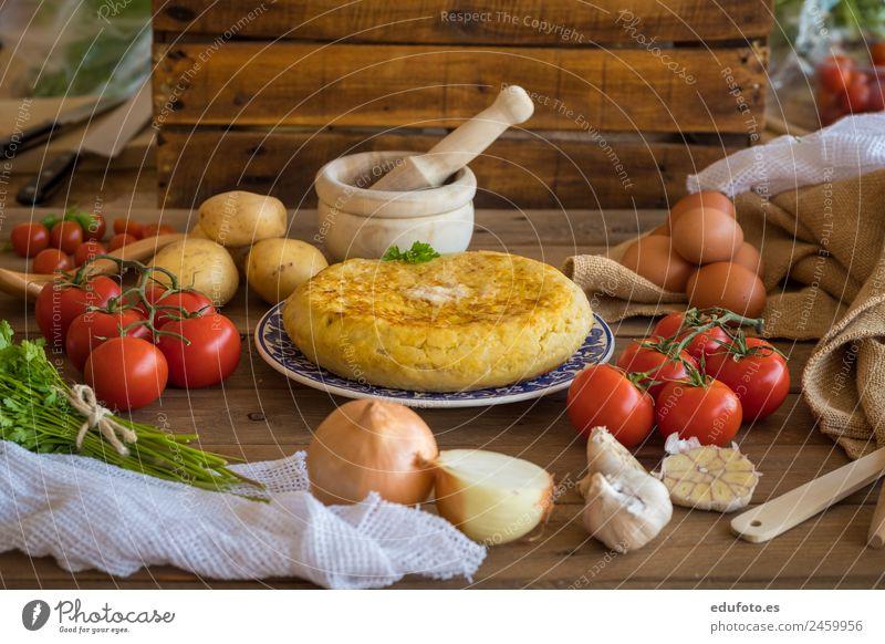 Traditional spanish omelette. Vegetable Nutrition Lunch Dinner Plate Healthy Eating Restaurant Green White Spain Baking Basil Linen cooking Dish Garlic Omelette