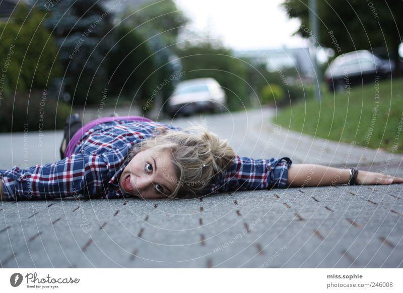 Youth (Young adults) Summer Street Life Fear Funny Crazy Lie Dangerous Threat Shirt Scream Distress Brash
