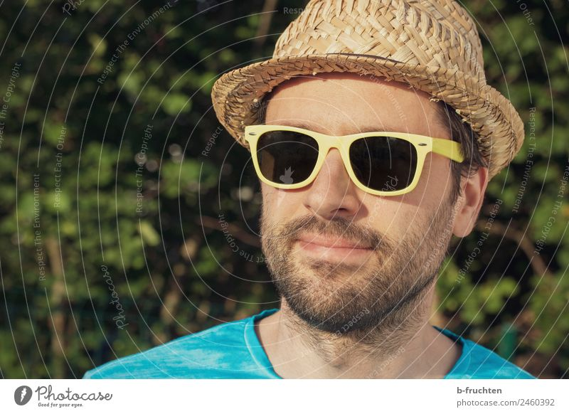 Man with sunglasses and hat Joy Contentment Relaxation Adults Face 30 - 45 years Garden Park Sunglasses Hat Natural Happiness Joie de vivre (Vitality) To enjoy