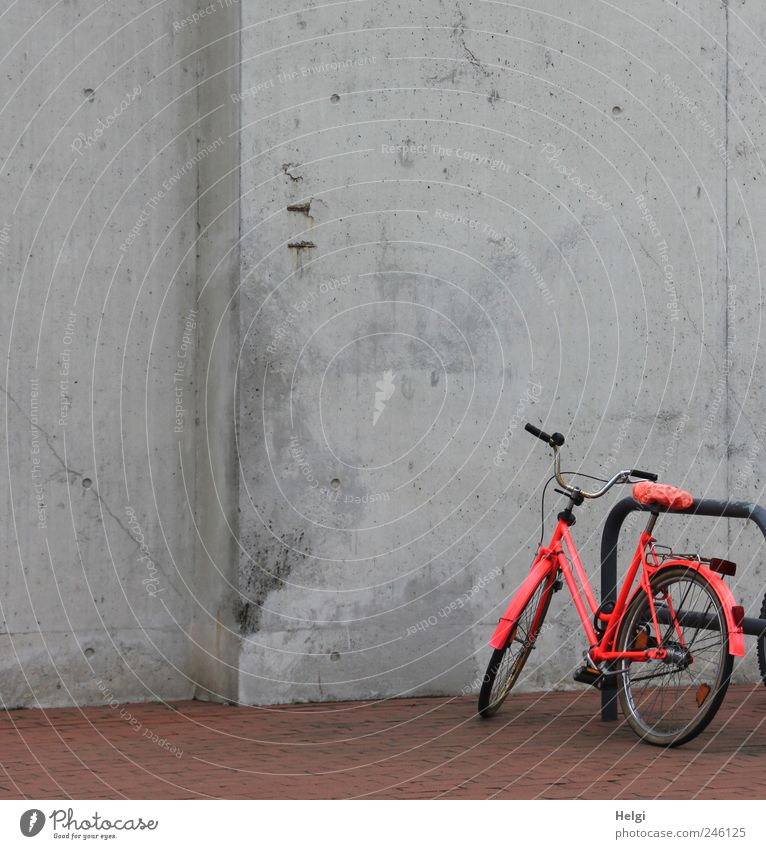 Red Colour Dark Wall (building) Lanes & trails Gray Stone Wall (barrier) Metal Brown Bicycle Concrete Design Exceptional Stand Break