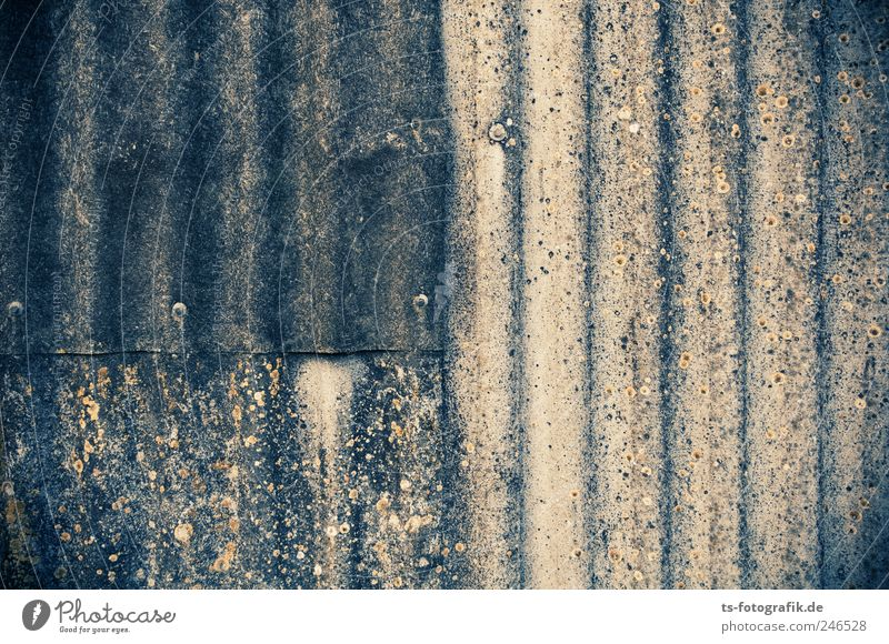 Wall (building) Gray Wall (barrier) Line Dirty Facade Concrete Stripe Roof Derelict Decline American Flag Symmetry Weathered Repair Undulating