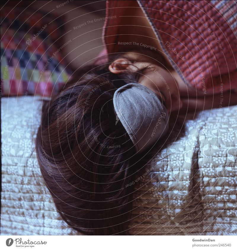 Come on, let's go. Human being Young woman Youth (Young adults) Woman Adults Partner 1 Hair and hairstyles Brunette Long-haired Bed Cushion Ceiling sleep mask