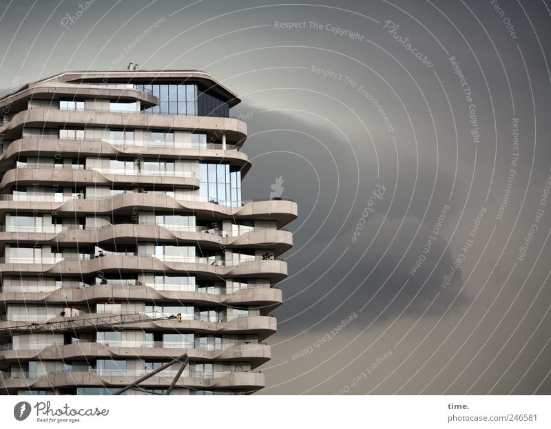 Sky Clouds Window Gray Architecture Weather Flat (apartment) Facade High-rise Modern Living or residing Gale Manmade structures Raincloud High-rise facade