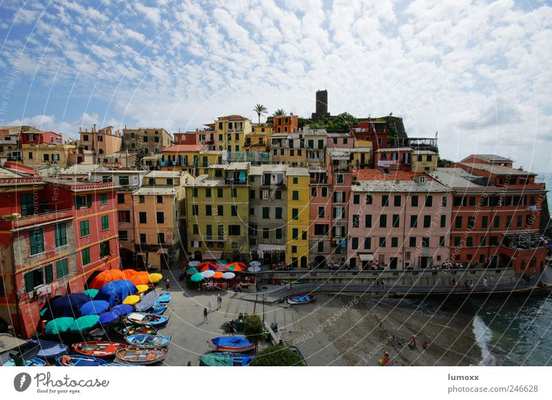 vernazza Vacation & Travel Tourism Sightseeing Summer vacation Ocean Living or residing Dream house Human being Vernazza Cinque Terre Italy Europe Village